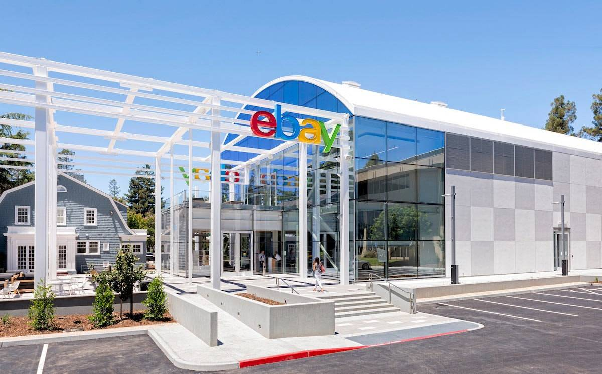 eBay Q4 revenues decline 2 percent