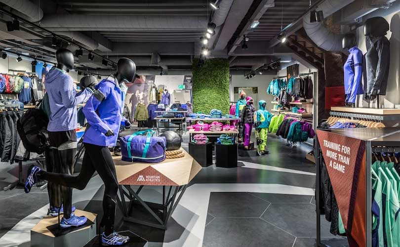Slow economy and warm weather weigh on VF Corp revenues