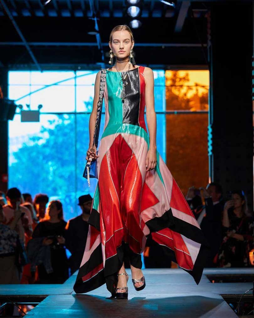 DVF to present collection via virtual reality
