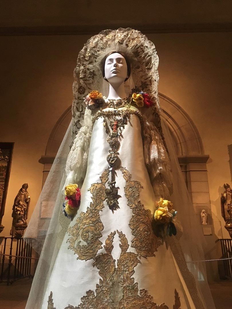 Review: Heavenly Bodies; Fashion and the Catholic Imagination