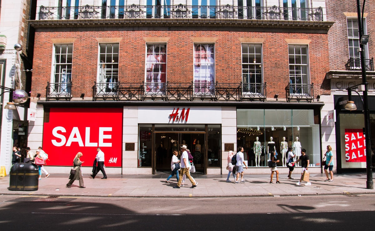H&M axes print catalogue after 39 years